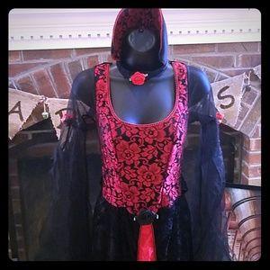 Women's Vampire/Goth costume size medium